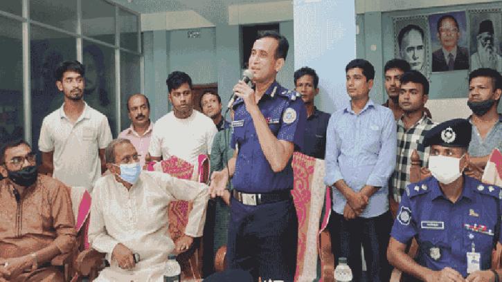 নাজিরপুরে সারদীয় দুর্গা পুজো মন্ডপ পরিদর্শন করলেন ডিআইজি