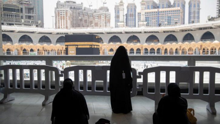মক্কা ও মদিনার পবিত্র দুই মসজিদের ছয় শ' নারী কর্মীর প্রশিক্ষণ