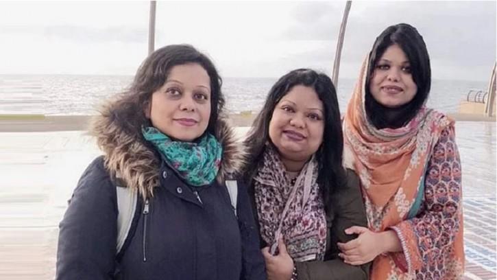 তিন মেয়েই ঢাকা বিশ্ববিদ্যালয়ের শিক্ষক, গর্বিত বাবা