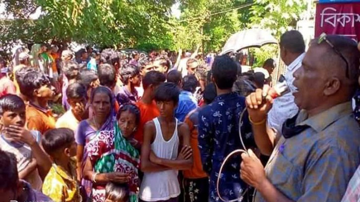 কমলগঞ্জের চা শ্রমিকের ঘর ভাঙ্গার প্রতিবাদে মানববন্ধন ও প্রতিবাদ সমাবেশ