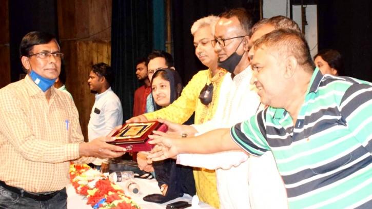 'মহাত্মা গান্ধী স্মৃতি পদক ২০২১' পেলেন সাংবাদিক এস মিজানুল ইসলাম