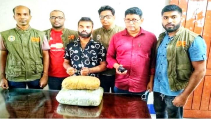 বানারীপাড়ায় ৬ কেজি গাঁজাসহ আটক রাজু